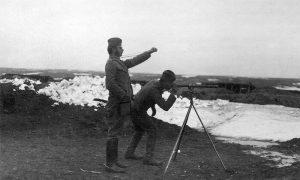 Артиљерци одређују координате турских положаја