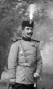 Љубомир Марић, у чину капетана, 1910. године