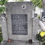 Надгробни споменик Лазара Чокића и његове жене Драгине на гробљу Лађевци у Ковачевцу